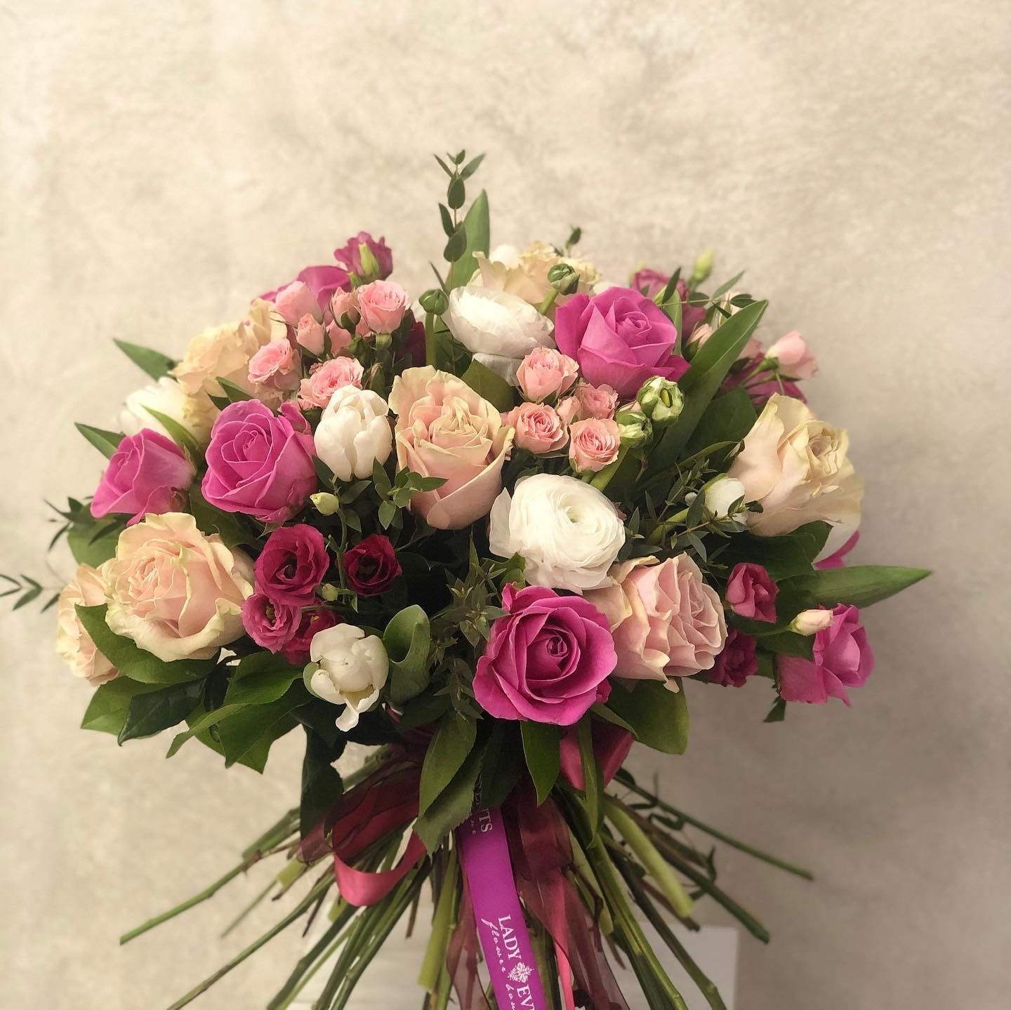 In Harmony: Roses and Lisiantus